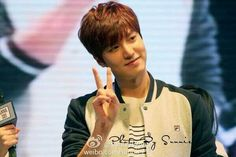 The HD photos of Lee Min Ho at Anna Sui Fila Event in Shanghai..just so cute with that sweet smile of his..  Photos: credit as tagged       ...