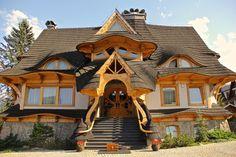 Beautiful house in Zakopane, Poland! Beautiful Buildings, Beautiful Homes, Beautiful Places, Visit Krakow, Zakopane Poland, May House, Storybook Homes, Tatra Mountains, Craftsman House Plans