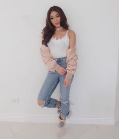 Nadine Lustre's Top 8 Wardrobe Essentials According to Her Stylist - Star Style PH Nadine Lustre Fashion, Nadine Lustre Ootd, Nadine Lustre Outfits, Nadine Lustre Instagram, Denim Fashion, Star Fashion, Fashion Outfits, Lady Luster, Flattering Outfits