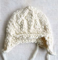 Free pattern, knitted baby hat