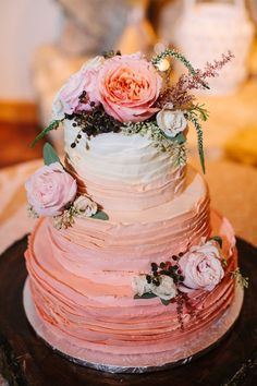 peach ombre wedding cake ~  we ❤ this! moncheribridals.com