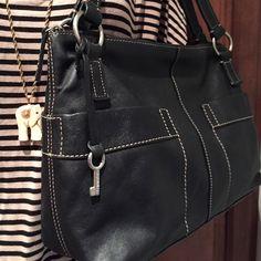 "Selling this ""FOSSIL BLACK GENUINE LEATHER HANDBAG"" in my Poshmark closet! My username is: mzehner2001. #shopmycloset #poshmark #fashion #shopping #style #forsale #Fossil #Handbags"