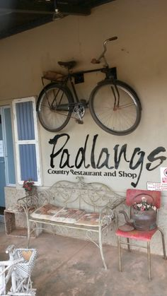 If ever you are going to Baviaanskloof from the Patensie side, stop here for a meal. The food here is really good!