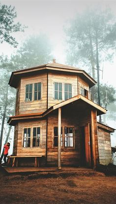 traumhaus A Cabin Theme for Your Dwelling Adorning Wants In the case of dwelling adorning there's on A Frame Cabin, A Frame House, Cottages And Bungalows, Cabins And Cottages, Cabin Design, House Design, Cabana, Cabin Curtains, Small Log Cabin