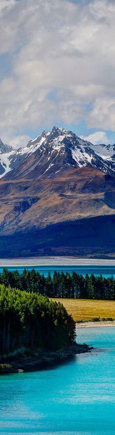Lake Pukaki in Mackenzie Basin, Canterbury Region - South Island   New Zeland