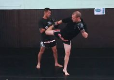Video: Counter-Tactics in Muay Thai: 3 Counters to the Hook