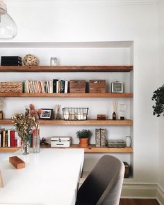 Get the home office design youve ever wanted with these home office design ideas! Feel inspired by the unique ways you can transform your home office! Bookshelf Design, Bookshelves, Bookcase, Home Office Design, House Design, Stylish Office, Living Spaces, Living Room, Diy Room Decor