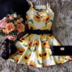 Vestido Alcinha Rodado No neoprene C/ BOJO( Estampa Girassóis)