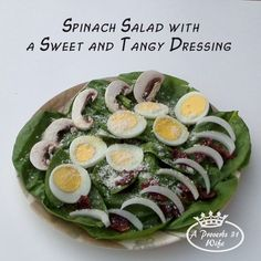 A spinach salad and dressing recipe. Delicious and healthy! #healthyrecipe #spinachsalad