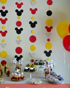 mickey_garland-diy of – Dekor Ideen Mickey Mouse Birthday Decorations, Theme Mickey, Mickey 1st Birthdays, Fiesta Mickey Mouse, Mickey Mouse Clubhouse Birthday Party, Mickey Y Minnie, Mickey Mouse Parties, Mickey Birthday, 2nd Birthday