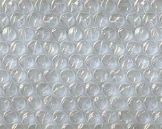 Bubbeltjesplastic: de structuur is plastic, de textuur is bubbeltjes gevuld met lucht.