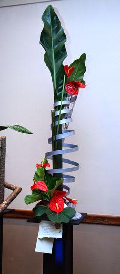 1000 images about floral creative line design on pinterest flower show garden club and ikebana - Arreglos florales creativos ...