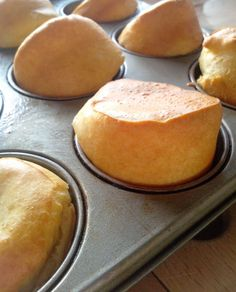 Popovers for breakfast Source by mahecalsan Brioche Bread, Mini Muffins, Pavlova, Coco, Sweet Recipes, Brunch, Food And Drink, Cooking Recipes, Favorite Recipes