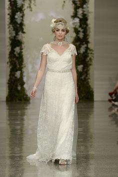 Off- white lace dress Off White Lace Dress, Wedding Gowns, Collection, Fashion, Moda, La Mode, Weding Dresses, Fasion, Wedding Dresses