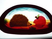 Transparentfensterbild Igel Mit Apfel Igelbastelnfensterbild Transparentfensterbild In 2020 Herbst Turdekorationen Halloween Turdekoration Halloween Dekoration Kurbis