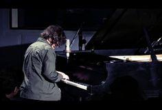 Miguel MateosTocando al piano es tan facil romper un corazon version completamente en vivo en corona music in my life.