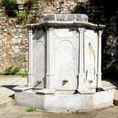 Çengelköy çeşmesi. Istanbul, Stone Fountains, Ottoman, Pumps, Architecture, Decor, Fonts, Arquitetura, Decoration