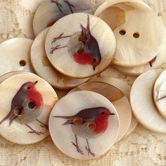 Little robin buttons...sweet!