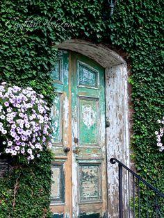 Beautiful... Faded and Fabulous Doorways