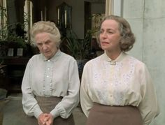 Agatha Christie's 'The Body in the Library' with Joan Hickson as Jane Marple and Gwen Watford as her friend, Dolly. Agatha Christie's Marple, Agatha Christie's Poirot, English Actresses, British Actresses, Detective, Miss Marple, Murder Mysteries, Watford, Movies