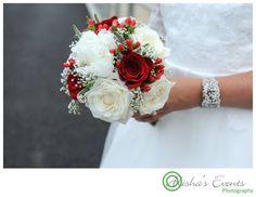 Weddings at Royal Submarine Museum  / Wedding photographer Gosport / Red & white bridal bouquet   www.alishaseventsphotography.co.uk