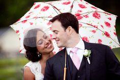 #cuterainydayweding #umbrella
