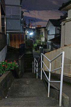 夜散歩のススメ「階段とスロープと玄関通路」東京都北区