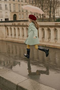 Paying homage to Christian Dior's passions and childhood memories, the Baby Dior ready-to-wear collections create a graceful look with a romantic feel. Baby Dior, Fashion Kids, School Fashion, Paris Outfits, Winter Outfits, Kids Outfits, Winter Clothes, School Outfits, Summer Clothes