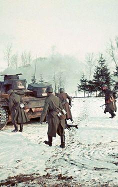 "allabardamu: "" Volokolamsk, near Moscow, November/December 1941 ""- pin by Paolo Marzioli"