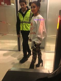 New photo of Ariana in Buenos Aires, Argentina By: Lilla Ariana Grande Photoshoot, Ariana Grande Pictures, Ariana Grande Kiss, Bae, Dangerous Woman Tour, Queen, Celebs, Celebrities, Role Models