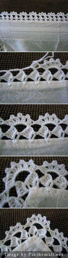 Crochet edging with corner ༺✿ƬⱤღ https://www.pinterest.com/teretegui/✿༻
