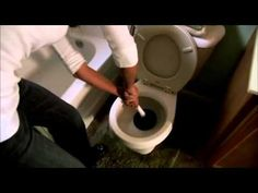 ▶ How to unclog a toilet | Toilet clog tips from Roto-Rooter - YouTube