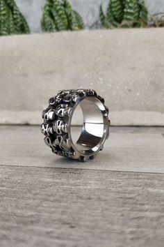 Ανδρικό δαχτυλίδι 'Skulls' (Ατσάλι)