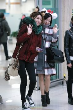 SNSD SooYoung and Tiffany @ Airport