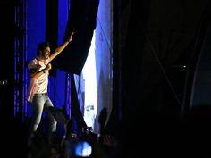 FCO - A BÚSSOLA: Luan Santana emociona plateia em show no Villa Mix...