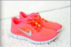 Find images and videos about pink, shoes and fitness on We Heart It - the app to get lost in what you love. Nike Fashion, Fitness Fashion, Nike Shoes, Sneakers Nike, Nike Free Run 3, Cheap Shoes, Dress To Impress, Me Too Shoes, Running Shoes
