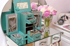 LA jewelers show @refinery29 their private collections! Photos by Lani Trock.