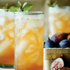 Fig-and-Bourbon Fizz - 21 Southern Bourbon Cocktails - Southernliving. Choose Black Mission figs or another purple-skinned variety to give the drink a pretty tint. Recipe: Fig-and-Bourbon Fizz Bourbon Cocktails, Summer Cocktails, Cocktail Drinks, Cocktail Recipes, Drink Recipes, Party Drinks, Cocktail List, Punch Recipes, Holiday Cocktails