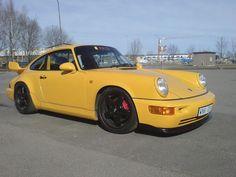 Porsche 964 RS NGT Club Sport año 1992, se encuentra actualmente a la venta por MCP Motorsport.