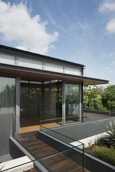 Travertine Dream House / Wallflower Architecture   Design