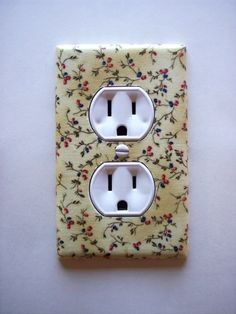 Americana Summer Floral Sprigs Outlet Plate