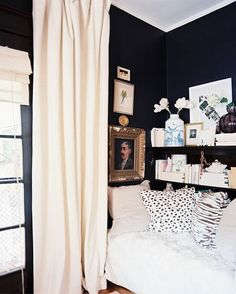 The Best Small-Space Hacks of 2015We've said it a million times beforedark walls in a small space will, without a doubt, make the room feel bigger. Once you've selected your moody hue, read up here on how to decorate with dark walls.