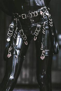 Dark Fashion, High Fashion, Womens Fashion, Alternative Outfits, Alternative Fashion, Provocateur, Goth Subculture, Elegantes Outfit, Fetish Fashion