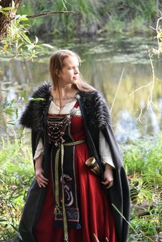 Viking Costume, Renaissance Costume, Forest People, Viking Woman, Norse Mythology, Character Costumes, Samhain, Vintage Costumes, Costumes For Women
