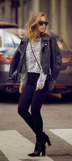Street Style with leather jacket, grey sweater, high heels and Ray-Ban Wayfarer #sunglasses #fall #fashion http://www.smartbuyglasses.com/designer-sunglasses/Ray-Ban/Ray-Ban-RB2140-Original-Wayfarer-902-23704.html