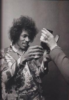 Jimi Hendrix, 1969. pic.twitter.com/HlHJnHcwB5