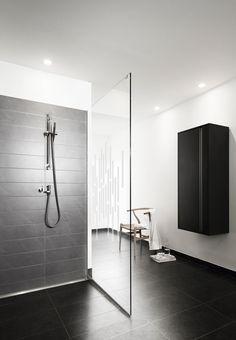 Bruseniche | Minimal Bathroom Style | Shower | Modern Minimalist Interiors | Contemporary Decor Design #inspiration #nakedstyle