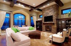 Ventanas, las flores, la tele, el sofá, la silla. ⬇️ ⬇️  En la sala hay ventanas.
