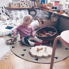 """""""#baby #room & #woodenstory, one more pic from @nynneetliloujos  #woodentoy #woodenblocks #madeofwood #greentoy #ecotoy #ecobaby #home #interior…"""""""