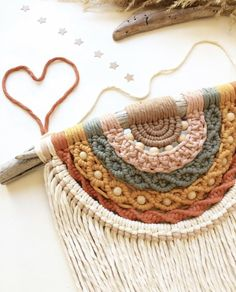Macrame Design, Macrame Art, Macrame Projects, Macrame Knots, Micro Macrame, Macrame Jewelry, Crochet Projects, Macrame Wall Hanging Patterns, Macrame Patterns